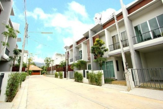 Townhouse Near Chalong Pier CHA01