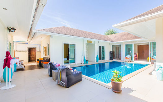 4 bedroom villa chalong for rent