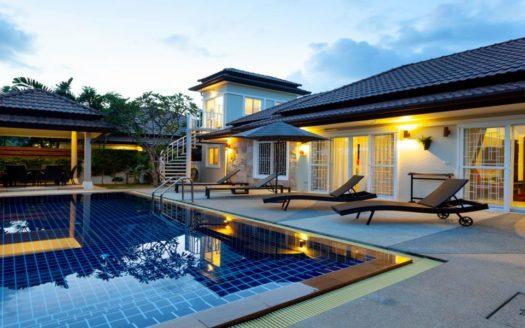 four bedroom villa Nai Harn