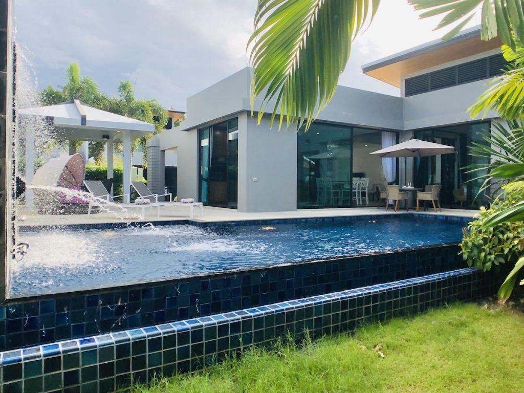 Baan Bua Zen villa à louer à Phuket