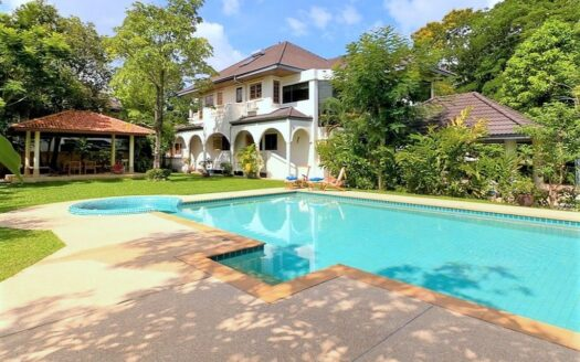 Large villa for sale in Chalong