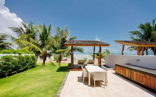 Rawai Beach front villa NR004